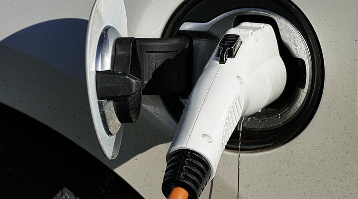 electric-vehicle-lead